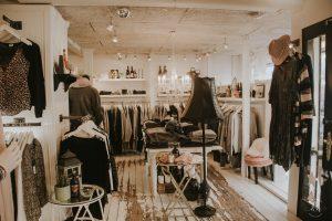 Let's hygge in a shop! ha ha ha..ini mah kalaaap..ada diskon ciint ;)